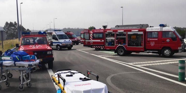 Simulacro de acidente rodoviário nas portagens da A7 saída de Touguinhó.